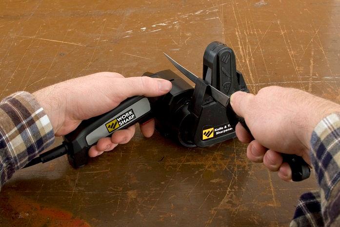 Küchenmesser mit dem Knife and Tool Sharpener schleifen